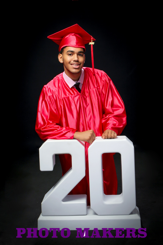 Graduation Portraits by Photo Makers