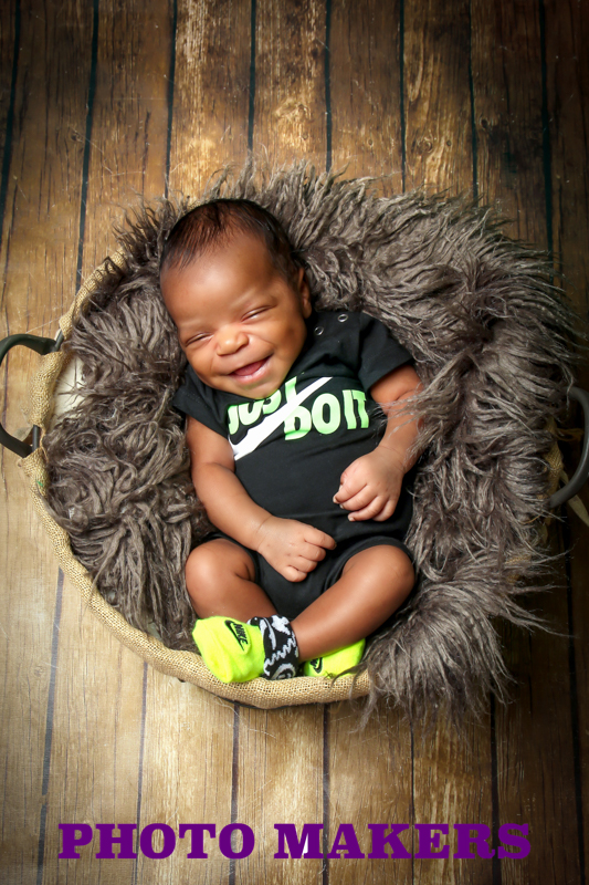 Newborn Portraits by Photo Makers